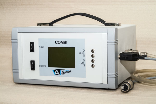 Portable gas analyser